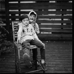 000913110005 (Steven Tsai (正港蔡爸)) Tags: hasselblad501c hasselblad planar128f80mm shanghaigp3100 expiredfilm bw mediumformat analog film filmphotography