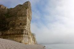 Scale (fxdx) Tags: size people beach falaise falaises normandie etretat rx100m3 fog mist sea coast
