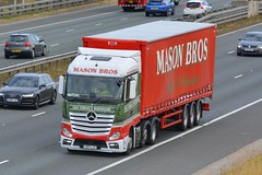 YK17 LJV (panmanstan) Tags: mercedes actros mp4 wagon truck lorry commercial curtainsider freight transport haulage vehicle a1m fairburn yorkshire