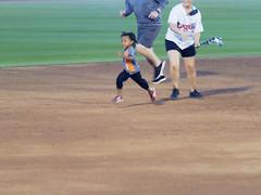 Big Lug and the Real Fast Kid 002(001) (mwlguide) Tags: midwestleague leagues lansinglugnuts baseball lansing michigan ballyard ballpark omd em1ii games bowlinggreenhotrods em1 4203 omdem1mkii olympus 2018 20180814hotrodslugnutsem1raw1184203
