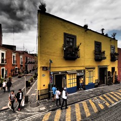 Yellow (Mariasme) Tags: street puebla mexico yellow building challengeyouwinner matchpoint mpt642winner