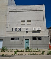 123 Bldg, Saginaw, MI (Robby Virus) Tags: saginaw michigan mi 123 building bldg architecture abandoned closed vacant derelict sign signage