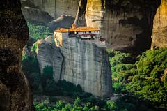 Meteora 2 (lugarlu) Tags: viajes naturaleza monasterios montaña meteora grecia