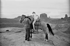 Monument Valley, UT/AZ (cestlameremichel) Tags: bnw monochrome monochromatic black white minolta dynax 40 konica contrast usa west america roadtrip analog analogica filmisnotdead argentique 35mm rollei retro 80s retro80s film