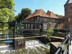 Volmolen annex de Koppelpoort in Amersfoort (joeke pieters) Tags: 1410682 panasonicdmcfz150 amersfoort utrecht nederland netherlands holland volmolen fullingmill