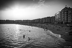 Last light (Explored) (galavardo) Tags: fujifilm x100f blancoynegro blackandwhite byn contraluz backlighting playa beach sangenjo pontevedra ríasbaíxas galicia españa spain