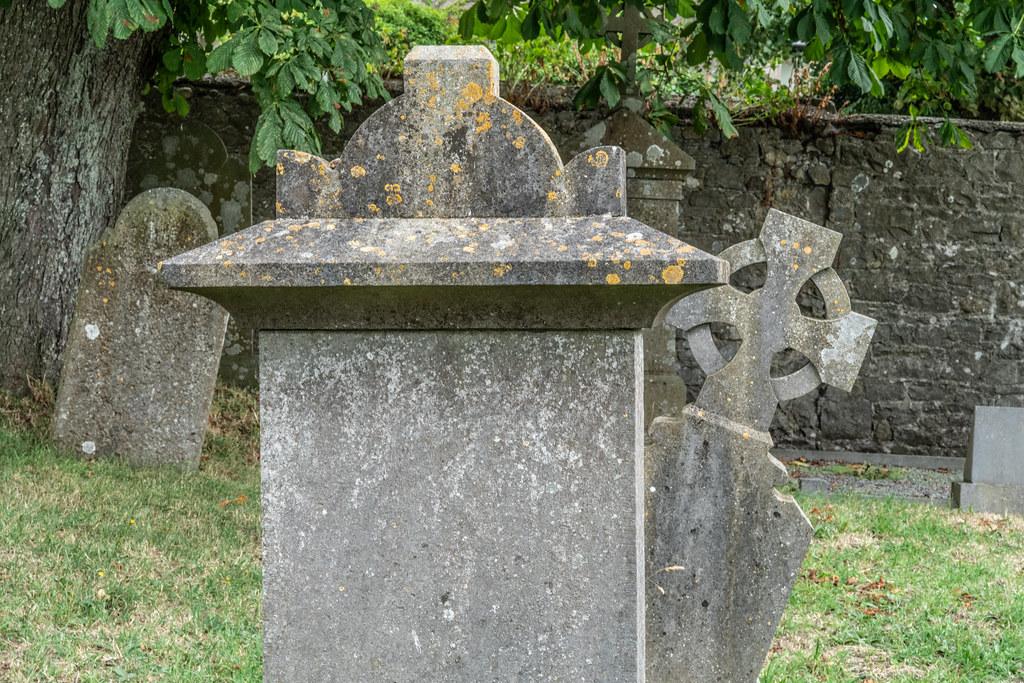 OLD CHURCHYARD KNOWN AS ST. JOHN'S [DUBLIN ROAD KILKENNY]-142925