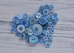 228/365 Buttons Keep Us Together (Helen Orozco) Tags: 228365 buttons bluebuttons 2018365 shape collection heart