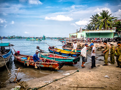 Phu Quoc, Vietnam (Kevin R Thornton) Tags: phuquoc galaxys8 landscape asia travel people mobile samsung boat vietnam anthoi transport thànhphốphúquốc tỉnhkiêngiang vn