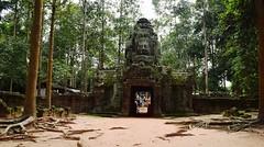 Angkor:  Temple Ta Som (Яeиée) Tags: angkorvat angkorthom sanctuaire cambodge asie temples preahkhan taprohm siemreap baphuon bayon angkor khmer architecture patrimoines angkorlamerveilleuse banteaysrei bouddhisme hindouisme fromager takeo phimeanakas banian