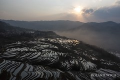 Yuanyang Rice Terraces (Rolandito.) Tags: china yunnan yuanyang rice terrace terraces sunset