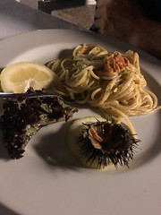 Belle serate 😃 (plippy) Tags: newmoment surprise vino pesce bacoli ceneimprovvise ristorante amici mare cena