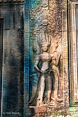 Devatas on Ka Tou Entrance to Angkor Wat Cambodia -8a (Yasu Torigoe) Tags: sony a99ii a99m2 sonyilca99m2 camboya cambodia angkor siem templo temple khmer architecture ancient ruins stonework siemreap history histoire building carving art surreal sculpture structure travel archeology thebestshot flickr best buddha buddhist hindu shiva devatas deity