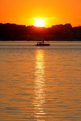 Coucher de soleil sur la rade de Lorient (Bretagne, Morbihan, France) (bobroy20) Tags: lorient portlouis bretagne morbihan rade radedelorient larmorplage sunset coucherdesoleil soleil fabuleuse