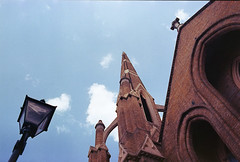 img245 (Gaelle Monin) Tags: islington leicar62 portra400 church homedevelopment streetlight