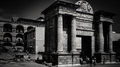 Near the Mezquita entrance. (j૯αท ʍ૮ℓαท૯) Tags: blackandwhite noiretblanc andalousie andalucia spain monumento monument