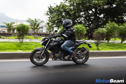 Yamaha-FZ25-Long-Term-03