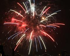 Macys Fireworks NYC 2018-61 (Diacritical) Tags: nikond850 pattern 70200mmf28 16secatf80 july42018 84450pm f80 210mm brooklyn macys4thofjuly fireworks