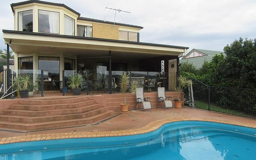 6 Bernoth Cl, Edensor Park NSW 2176