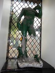 Damaged statue in the Mayflower pub, Rotherhithe (John Steedman) Tags: damaged statue mayflower pub rotherhithe london uk unitedkingdom england イングランド 英格兰 greatbritain grandebretagne grossbritannien 大不列顛島 グレートブリテン島 英國 イギリス ロンドン 伦敦