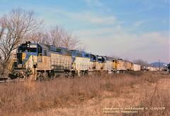 DH 7603-7609-7613 UP 2836-2849, SL2, Fountain Hill, PA. 12-16-1978 (jackdk) Tags: train railroad railway locomotive emd emdlocomotive emdgp39 emdgp392 gp38 gp39 gp382 gp392 dh delawareandhudson up unionpacific ge gelocomotive u30c sl2 allentown allentownpa fountainhill trailertrain intermodal