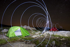 DSC_5423 (Jesus DTT) Tags: gredos lightpainting vivac refugiodelrey nocturna espiral tiendadecampaña trekking
