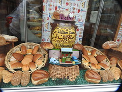 FAKE Breed Dingwad Ross-shire (davefree99) Tags: bread shop window