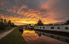 June sunrise (chaotic river) Tags: barge bilsborrow boat canal early lancaster morning narrow reflection barton england unitedkingdom gb