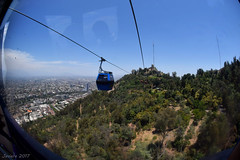 Teleférico (Javiera C) Tags: santiago chile cerro hill sancristobal ciudad city cityscape paisaje landscape teleférico line cableway up arriba altura transport transporte