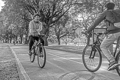Open your eyes! (Wal Wsg) Tags: openyoureyes bicicleta bici bike bicicletas bikes bicicletta bicis cyclist bicycle biciclettas argentina buenosaires caba capitalfederal canoneosrebelt6i canon byn bw blackandwhite blancoynegro dia day phwalwsg photography photo