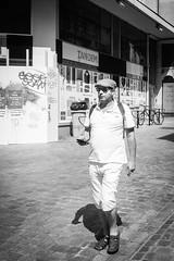 Nantes - Aout 2017 (Maestr!0_0!) Tags: noir blanc black white rue people street beret tandem nantes