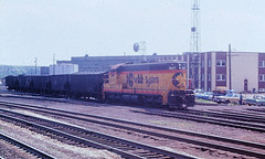 Baltimore & Ohio 1827 (CPShips) Tags: bo chessiesystem emd sd7 cumberland 1976