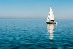 Flaute/lull - May 2018 (ro_ha_becker) Tags: leicam2 leitzelmar4090mmcoll kodakportra160 meinfilmlab sailing boats meer nordsee jadebusen