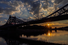 """Sunset at """"Blaues Wunder"""" (Digicam-Beratung) Tags: baudenkmäler deutschland dresden industriekultur ostdeutschland sonnenunteraufgang sachsen de"""