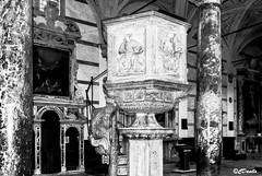 Pulpito e colonne Duomo di Pietrasanta (danilocolombo69) Tags: marmo pulpito colonne chiesa duomo pietrasanta toscana volte archi danilocolombo69 danilocolombo nikonclubit
