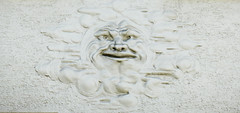 Smiling man - relief sculpture on the façade of a Munich building (Monceau) Tags: munich germany smiling man façade building relief sculpture