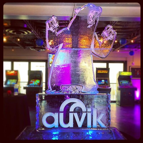 @theauvikway roaring into this fun #event @stubbsaustin #fullspectrumice #logo #icesculpture #branding #thinkoutsidetheblocks #brrriliant - Full Spectrum Ice Sculpture