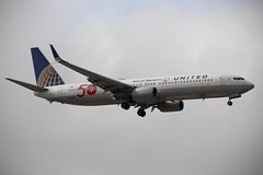 United (So Cal Metro) Tags: ual airline airliner airplane aircraft plane jet aviation airport san sandiego lindberghfield unitedairlines united boeing 737 n66837 specialolympics 50th