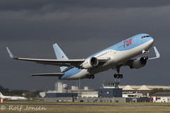 PH-OYI Boeing 767-300ER TUI Glasgow airport EGPF 20.06-18 (rjonsen) Tags: plane airplane aircraft aviation takeoff departure avgeeks arkeflug