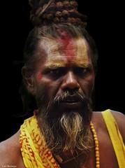Místico Hindú (Luis Bermejo Espin) Tags: luisbermejoespín travel asia ascetas ascetismo india nepal hinduismo hinduismotántrico hindú tantrismo sadhu sadhus devoción devotos retrato retratos retratosdelmundo religionesdelmundo religión religiones religiosos retratosdeasia rostros rostrosdelmundo rostrosdeasia rostrosdeindia retratosdeindia portrait personajes miradas miradasintensas