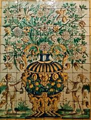 Flowering vases with Cherubins and Parrots (Lisbon, XVII century - 3º Quarter)