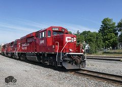 CP 2318 (Ramblings From The 4th Concession) Tags: panasonicfz1000 cp2318 cpgaltsub cprail gp20ceco rebuiltlocomotives freighttrains cambridgeont railwayphotography