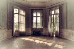 Dreamy (LaR0b) Tags: ue urban urbex exploring exploration decay abandoned lar0b lost hdr highdynamicrange chateau cinderella curtain