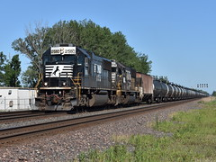 A Dying Breed (Robby Gragg) Tags: ns sd70 2580 pine junction gary