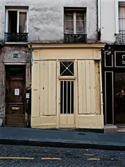94 (Professor Bop) Tags: professorbop drjazz structure street sidewalk road rue 94