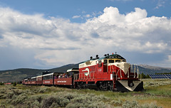 Afternoon Arrival in Leadville (jterry618) Tags: leadville colorado leadvillecoloradosouthern touristtrain touristrailroad lcs1714 emdgp9 diesel loco