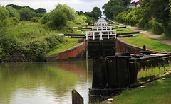 Caen Hill Locks on the Kennet And Avon Canal 300617 (5) (Richard Collier - Wildlife and Travel Photography) Tags: england canal kennetandavoncanal wiltshire canallocks transport waterways