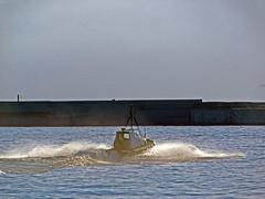 18063000956battello (coundown) Tags: genova battello porco panorama scorci barca barche navi lanterna spiagge viste pilota pilot