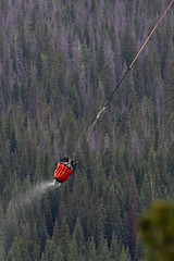 2018-06-29 K3 Colorado (545) (Paul-W) Tags: helicopter n669ac fire wildfire forestfire smoke rockymountainnationalpark 2018 bucket water coloradoriver colorado redhelicopter rope trees mountain burning