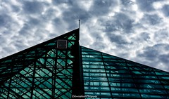 (Kerstin Winters Photography) Tags: linien abstractarchitecture abstract photography fotografie glas gebäude nikondigital nikondsl nikon flickr lines clouds sky reflection glass biopark albuquerque newmexico architektur architecture structure